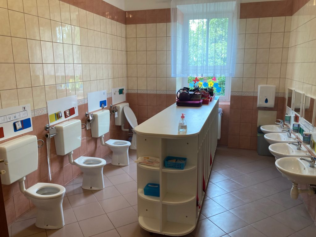 Záchodky u 2. třídy